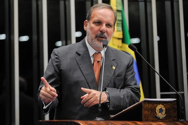 Senador-Armando-Monteiro-20032013